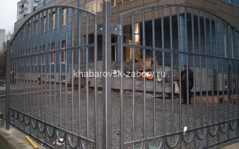 забор из профтрубы в Хабаровске